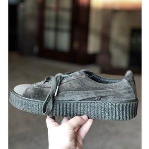 PUMA Creepers 9.5 Women's Grey